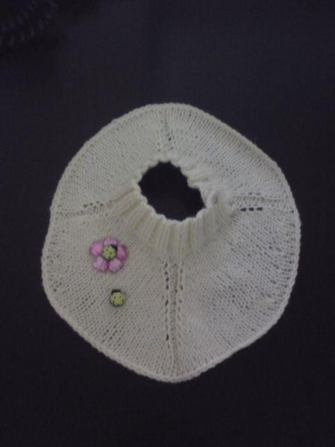 вязание спицами манишки с пуговицами.
